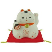 Plump Lucky Cat